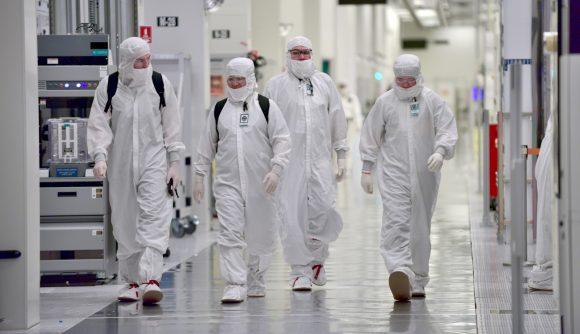 Intel manufacturing to remain at Intel