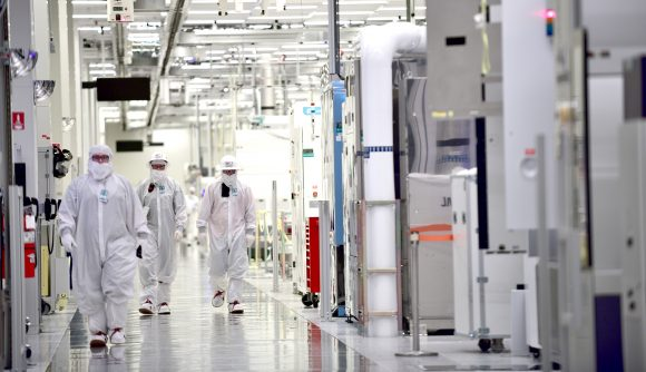Intel to spend an extra $1bn on 14nm production