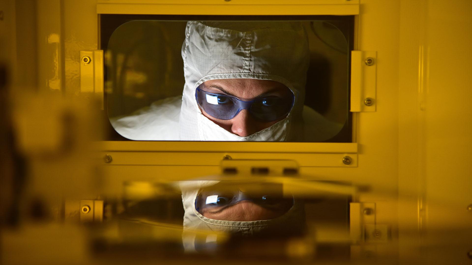 Intel forecast to regain world #1 semiconductor supplier