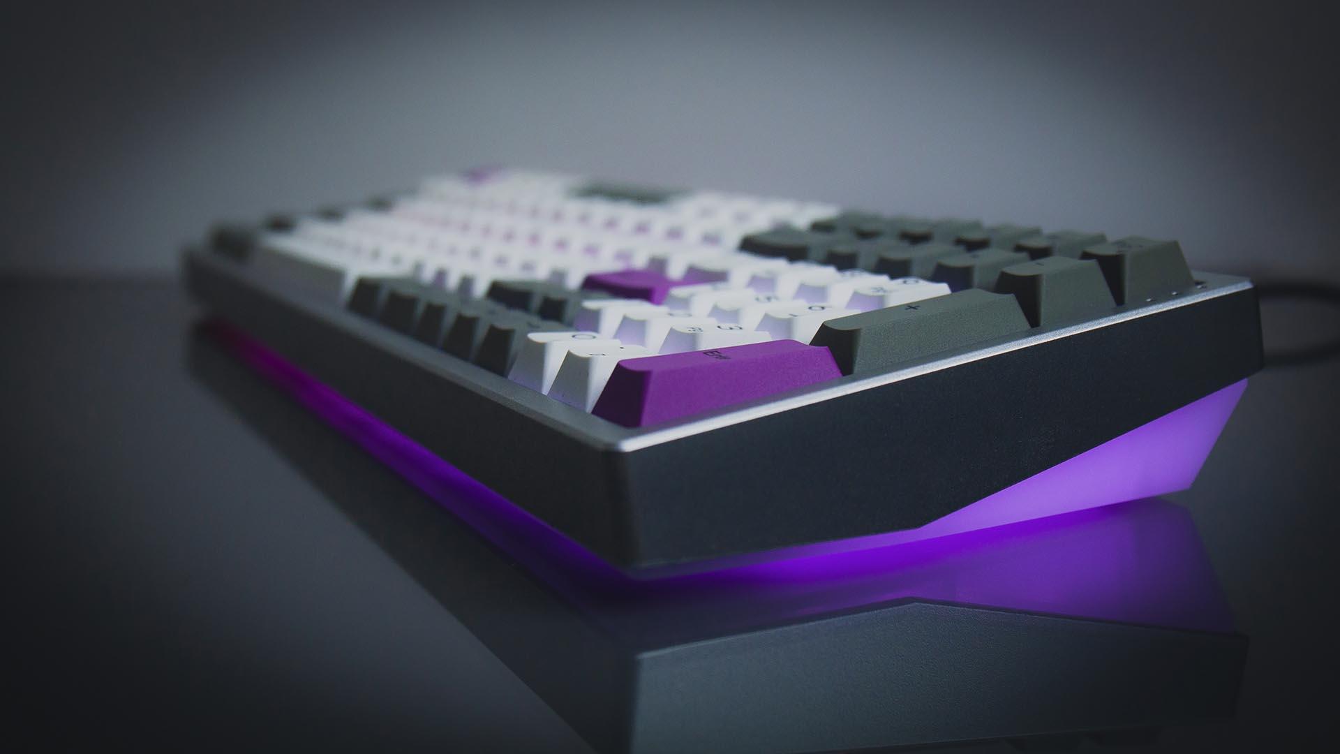 Kira Mechanical Keyboard review: RGB form meets high-end