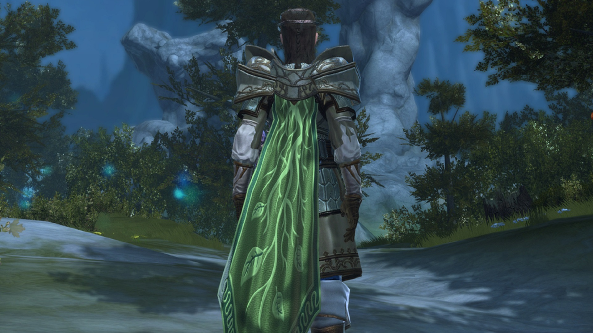 We're giving away 100 cloaks to celebrate Neverwinter's biggest expansion yet