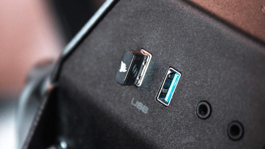 Corsair Ironclaw RGB Wireless USB dongle