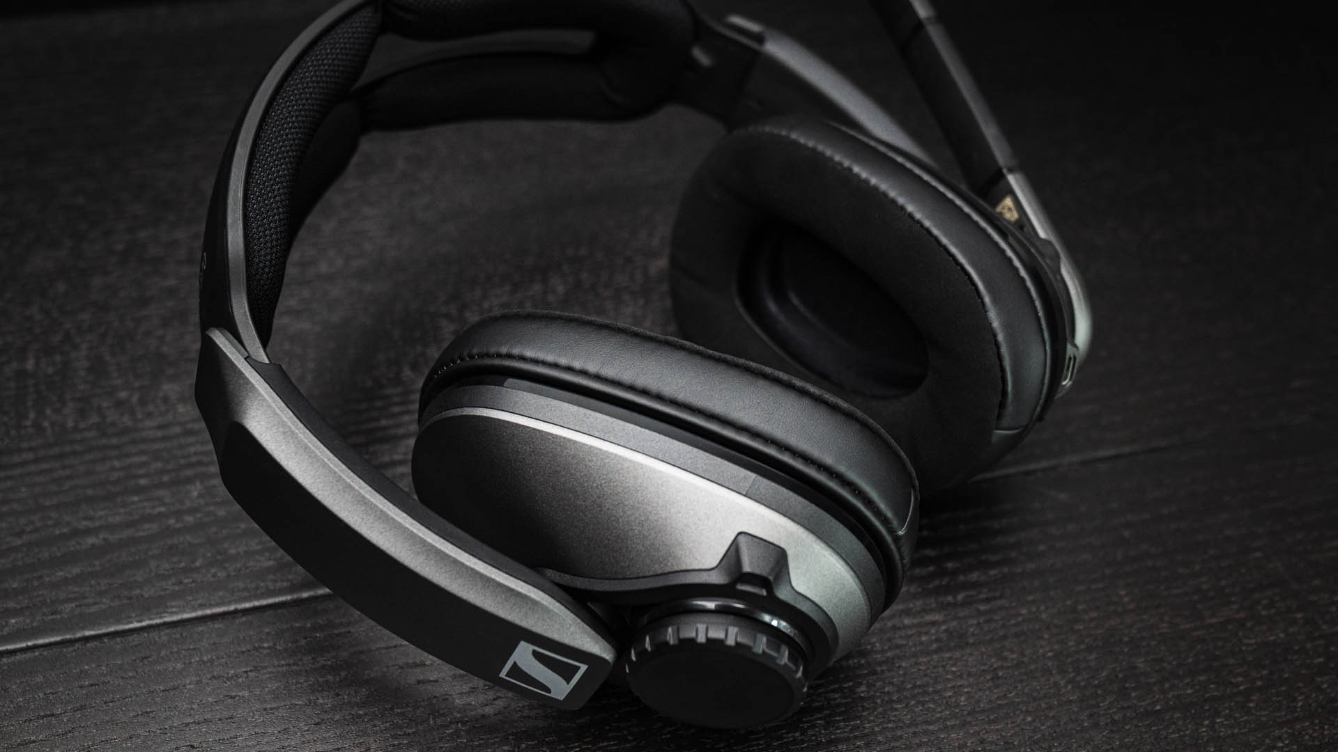 Sennheiser GSP 370 wireless gaming headset review: 100-hour battery life