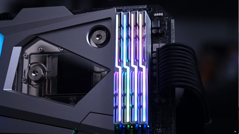 This home-made aluminium RAM light kit looks stunning