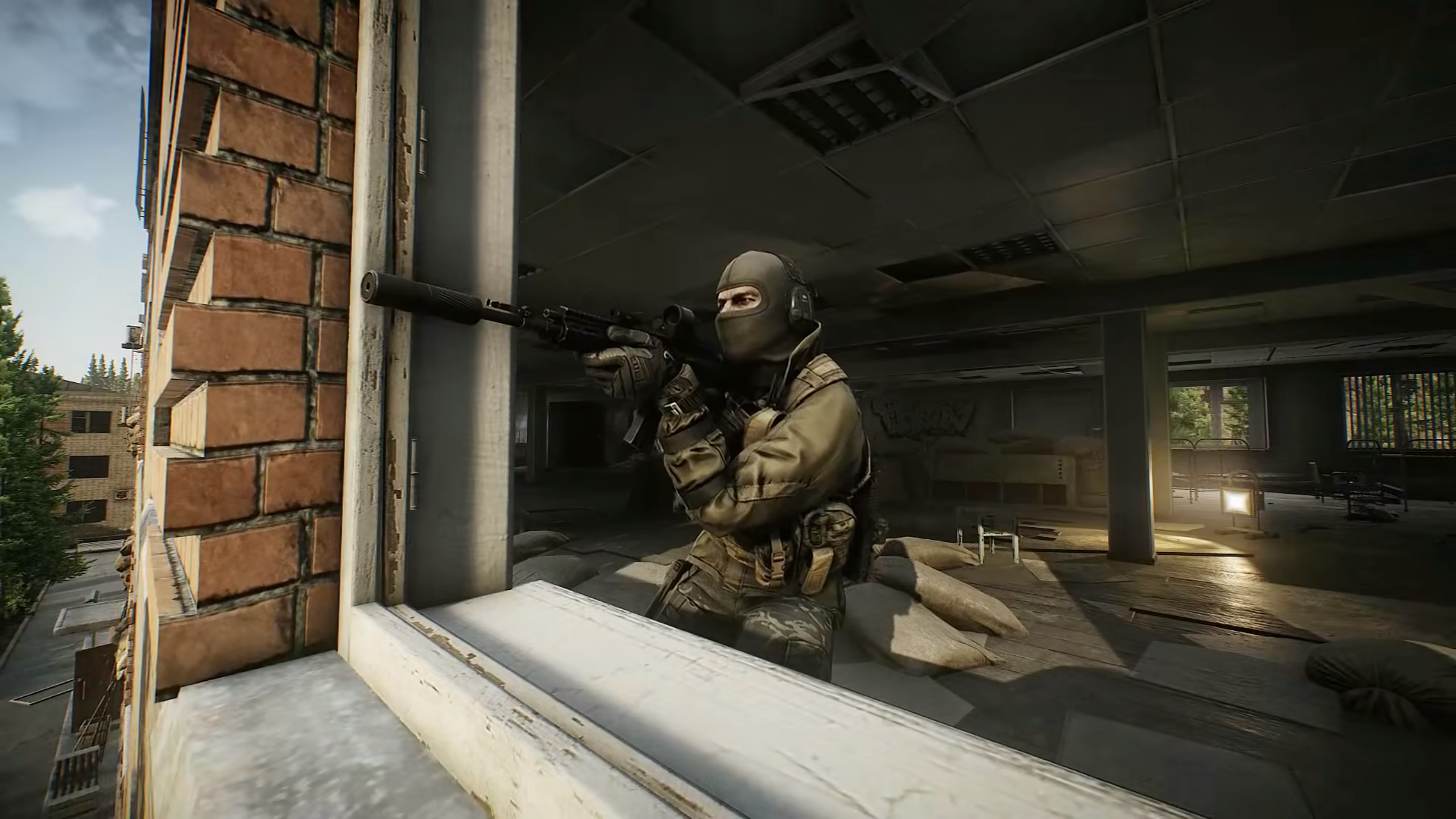 Escape from Tarkov players revolt over THICC cases   PCGamesN