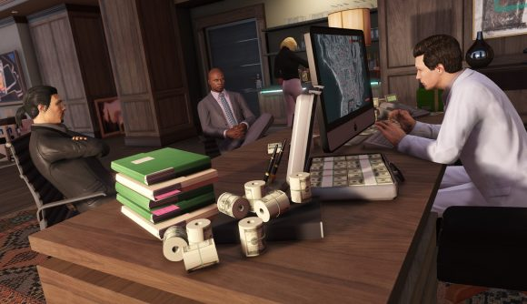 GTA Online players discussing a heist