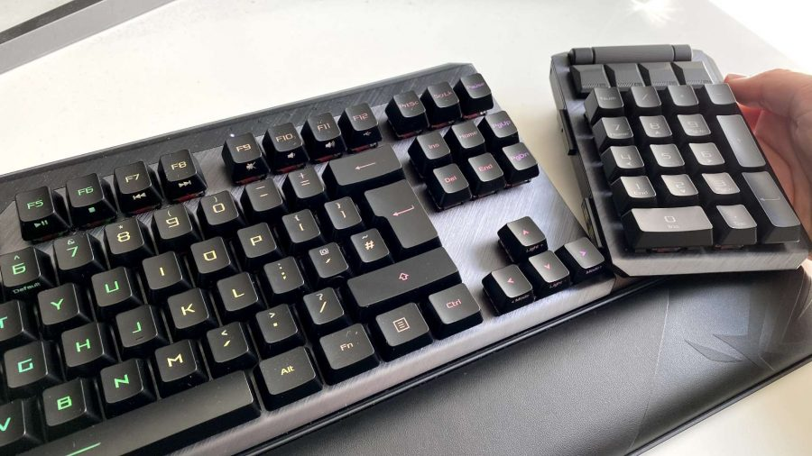 ROG Claymore II with the modular num pad being removed