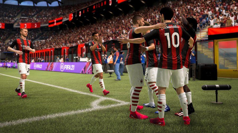 Милан празднует гол на Сан-Сиро