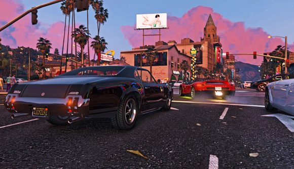Cars racing through the streets in GTA Online