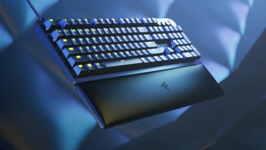 A side view of the Razer Huntsman V2 Keyboard