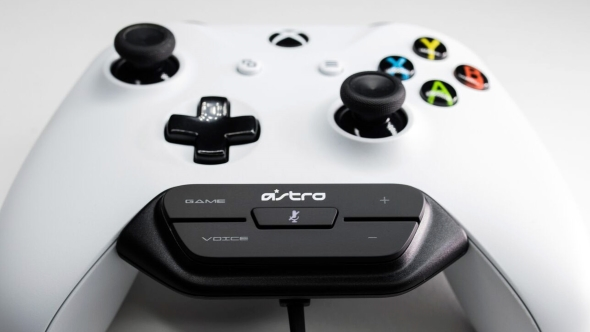 Astro Mixamp On Xbox One Controller