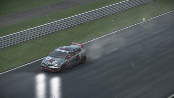Project Cars PC review - A Renault racing in the rain