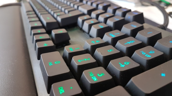 Logitech G513 gaming keyboard