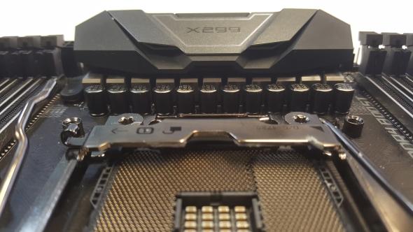 Intel Core i9 7900X architecture