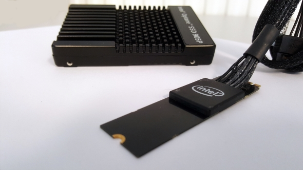 Intel Optane SSD 905P connections