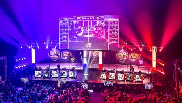 The crowd at LCS