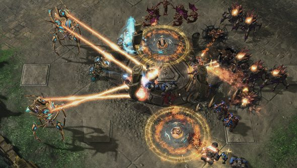 Starcraft units in a giant melee.