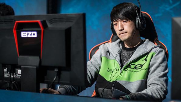 MMA, a young Korean man, slumps at a computer looking disenchanted.