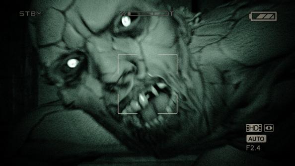 Outlast_hands_on_-_night_vision_killer