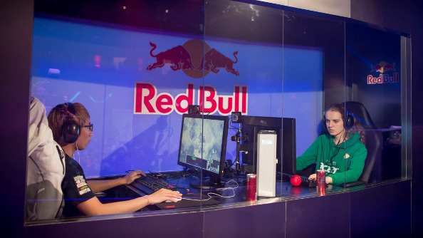 The must-watch StarCraft match of Red Bull Battlegrounds - Bomber vs. Scarlett Game 3