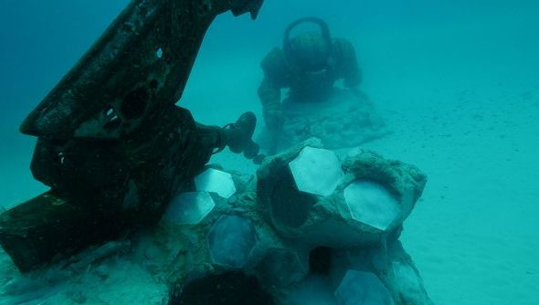 Riot Bury Massive Statue Of League Of Legends Champion Nautilus In Sea Bed To Act As Artificial Reef Pcgamesn