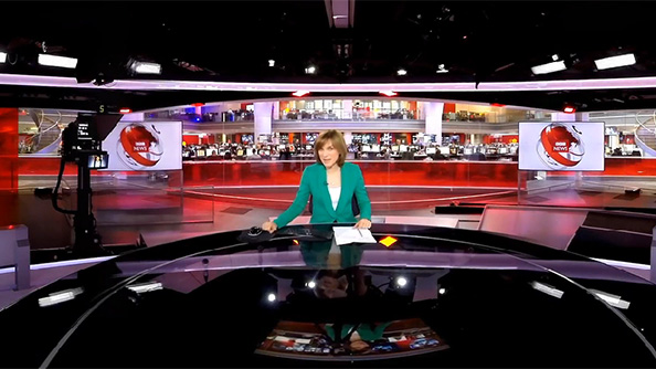 Hands-on with Fiona Bruce: BBC uploads the UK's favourite news personality to Oculus Rift
