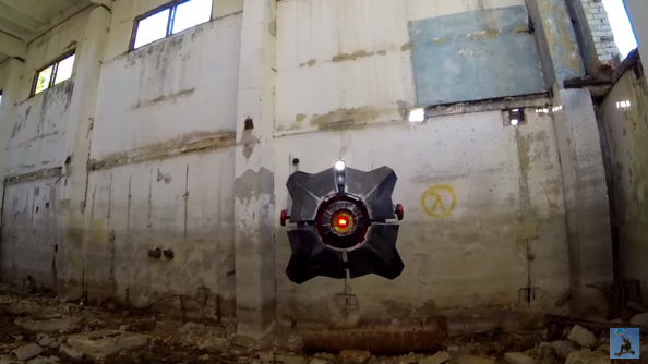 Someone has created a Half-Life 2 city  scanner drone in real life