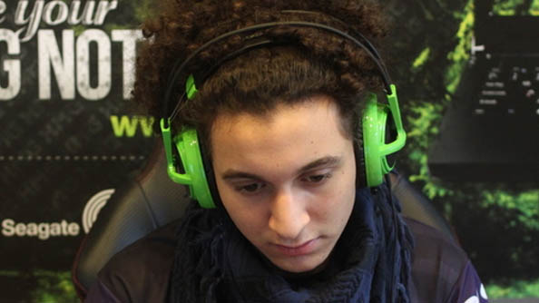 "Starcraft 2 progamer Stephano suspended for ""joke"" about child abuse"