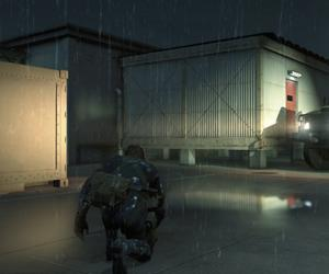 Metal Gear Solid 5 screenshots compare the PC and PS4 versions of Snake's bottom